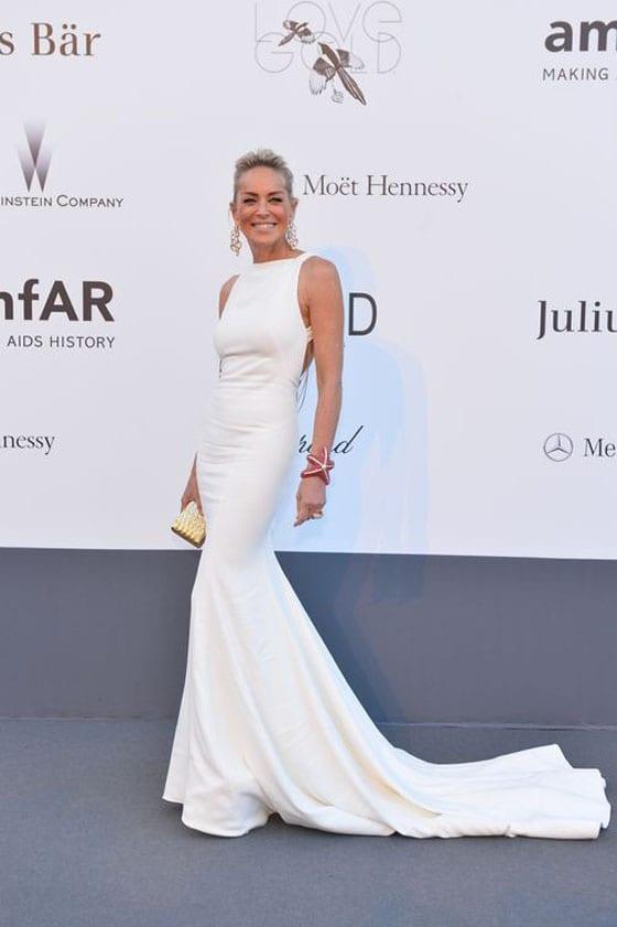 Sharon_Stone_in_Roberto_Cavalli et bijoux de Grisogono_AMFAR_2013_in_Cannes_2013_