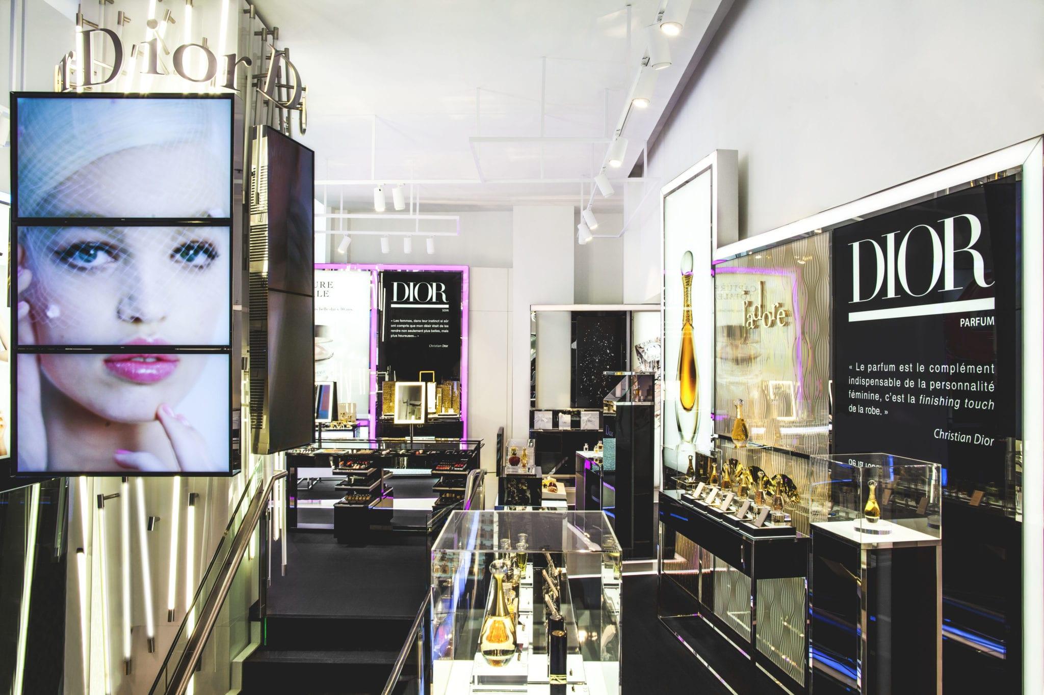 8613ff6e3ff Un écrin éphémère Dior pour les parfums et la beauté - Fashion Spider