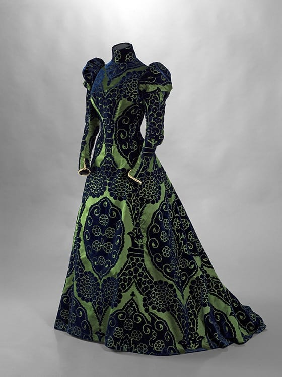 La_mode_Retrouvée_Robe_Charles-Frederick_Worth_Galliera_ musee_de _a_Mode_de_la_Ville_de_Paris.