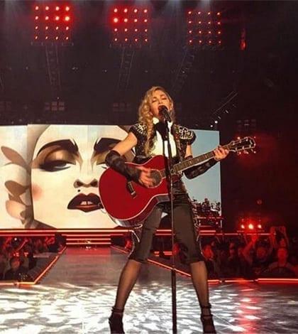 Madonna-en On_Aura_Tout_Vu_Haute_Couture
