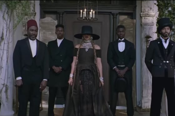 Beyonce is wearring on aura tout vu Couture dress for her new video clip Formation.18