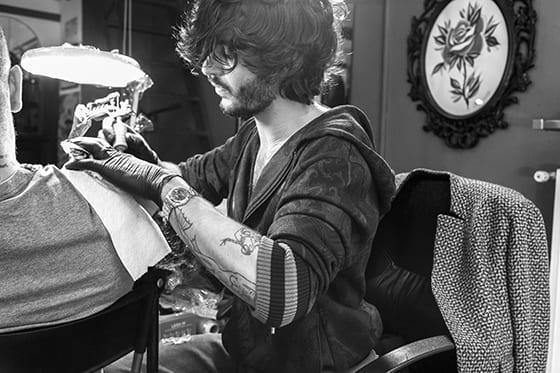 ETRO_THE_CIRCLE_OF_POETS_artiste_tatoueur_Edoardo_Tabacchi_by_Nicolo_Gialain