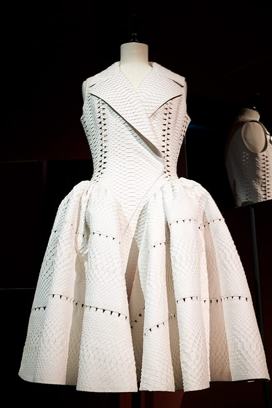 Exposition_Anatomie-d_une_Collection_Robe_Alaia_©_Olesya_Okuneva