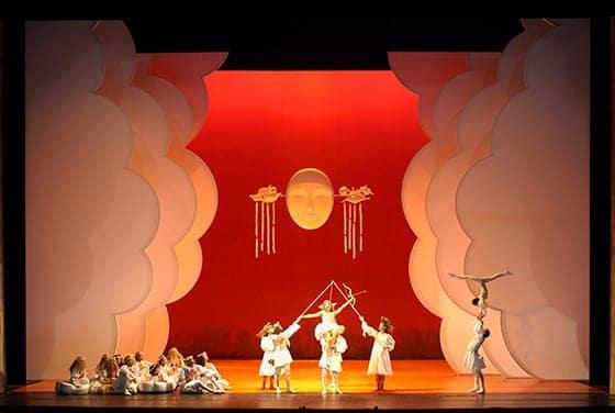 Exposition_Barockissimo_Les_Indes_galantes_de_Rameau_costumes_de_Marina_Draghici