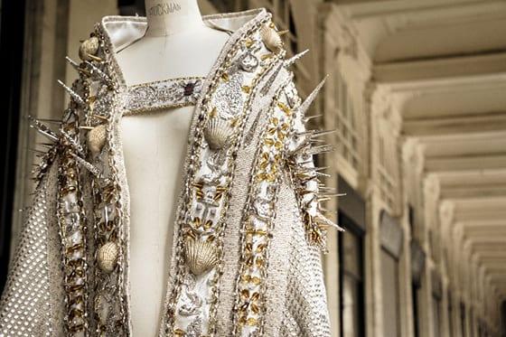 Detail_manteau_Notre_Dame_des_Graces_par_On_aura_tout_Vu_©_Bin_Y_Toh