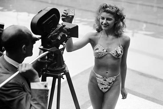 Election_Picine_molitor_de_la_Plus_jolie_baigneuse_en_Bikini_1946