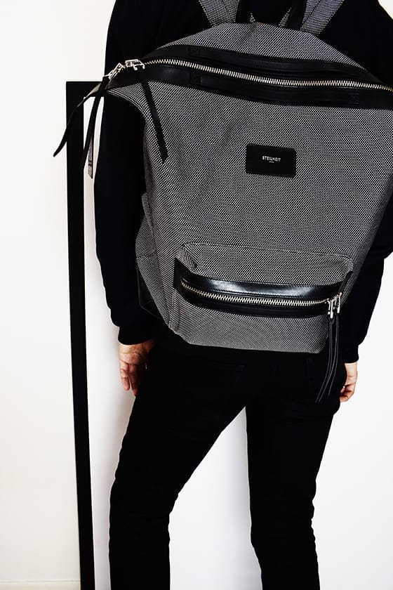 STEILHEIT_HOLOGRAM_BACKPACK