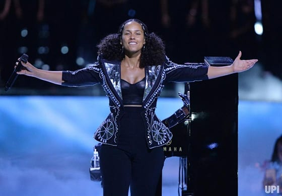 Alicia_Keys_en_On_Aura_Tout_Vu_au_WE_Day_California_©_Jim_Ruymen_UPI