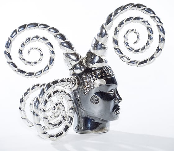 ORLAN_Broche_Tete_de_fou_2010_or_argent_©_Sherry Griffin