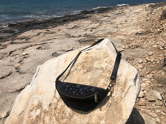 banane_crystal_black_on_aura_tout_vu_pop_up_shop_Naoussa_paros