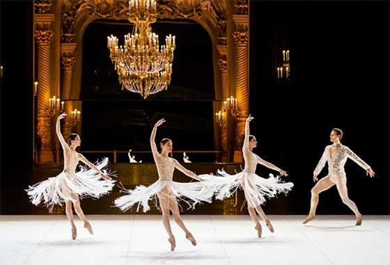 Exposition_Couturiers-de-la-danse_courtesy_CNCS_Rennaissance