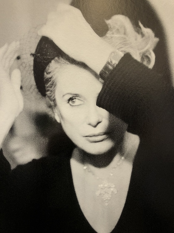 Exposition_Glam-for_Hospital_Alfalibra_Gallery_Catherine_Deneuve_©_Olesya_Okuneva