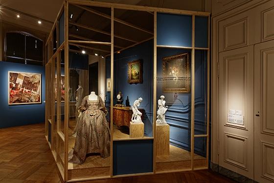 Expo_Vivienne_Westwood_SCENOGRAPHIE_PIERRE-VERRIER_Musee_des_Tissus_de_Lyon_06