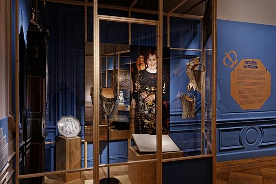 Expo_Vivienne_Westwood_SCENOGRAPHIE_PIERRE-VERRIER_Musee_des_Tissus_de_Lyon_07