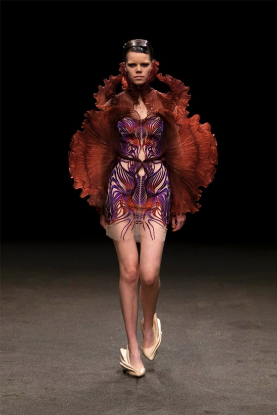 Iris_van_Herpen_Couture - SS2_Roots_of_Rebirth_©_Gio_Staiano_look_5