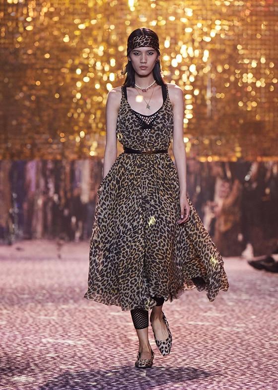 DIOR_FALL 21_Look_38_Fashion-Week_Shanghai_courtesy_Dior