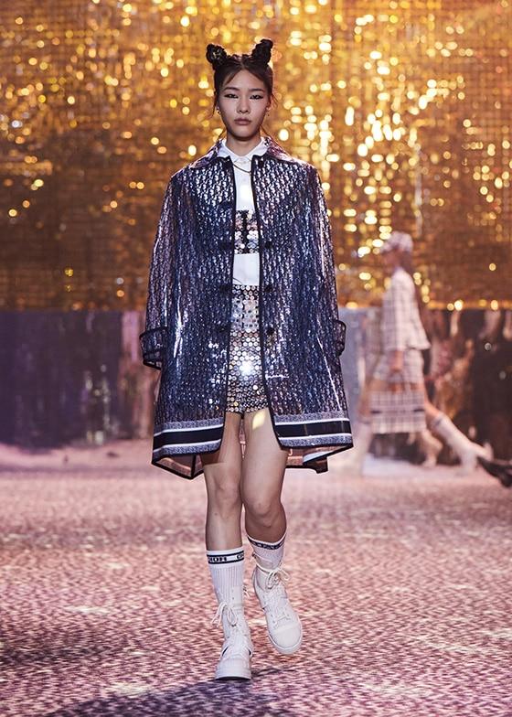 DIOR_look-20_FALL_2021_Fashion-Week_Shanghai_courtesy_Dior