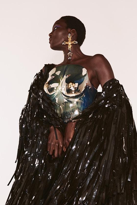 SCHIAPARELLI_Haute-Couture_FW2122_Look_19_Daniel_Roseberry_courtesy-Schiaparelli