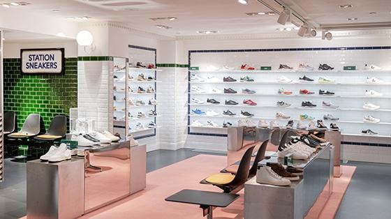 Le_Bon_marche_Espace_Sneakers_homme_Rentree_2021