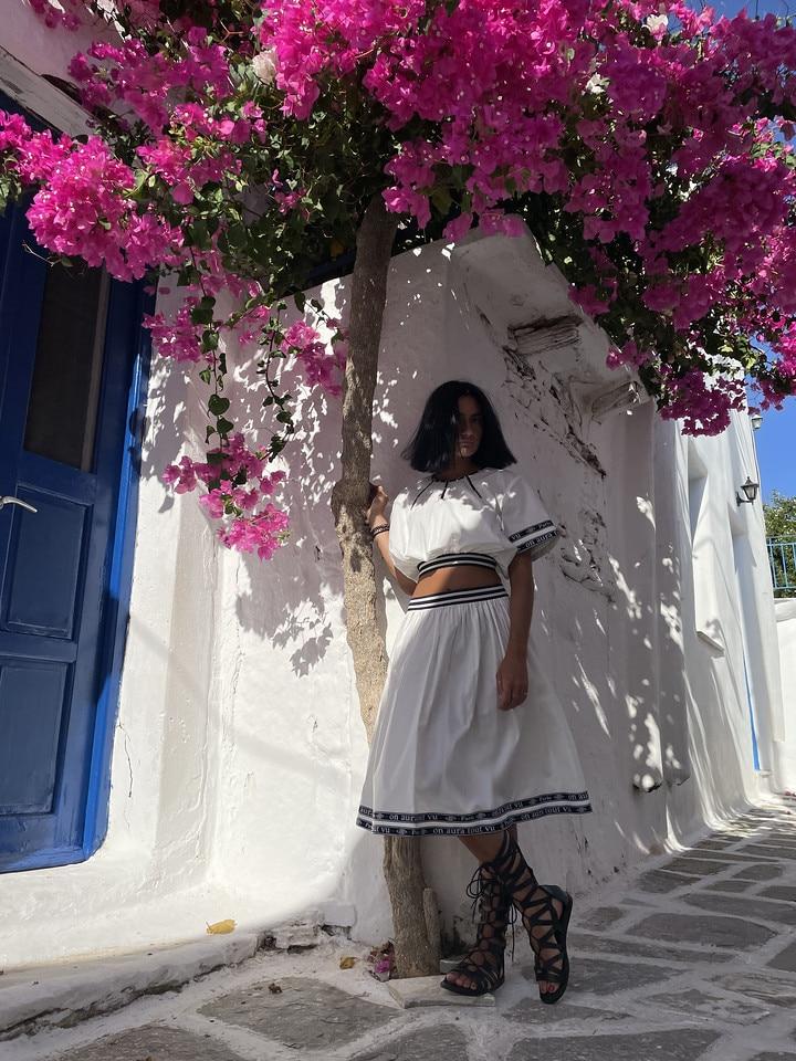 on_aura_tout_vu_paris_paros_summer_collection_naoussa_store_ensemble_blanc